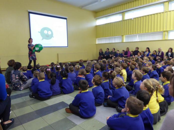 NSPCC Talk: Jannis introduces Buddy the speech bubble