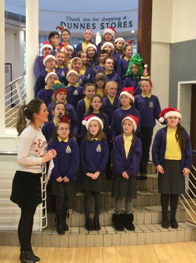 Holy Trinity Ks2 Choir Spread Christmas Cheer Around