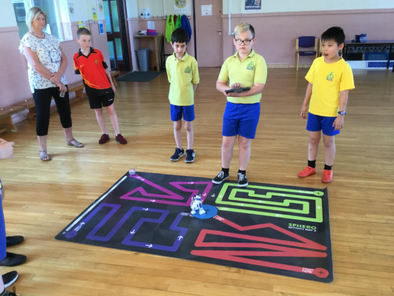Enthuse Partnership Project: Learning to program robots